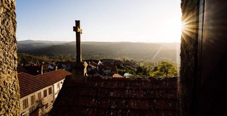 Vista da aldeia Campo Benfeito a partir da torre da igreja
